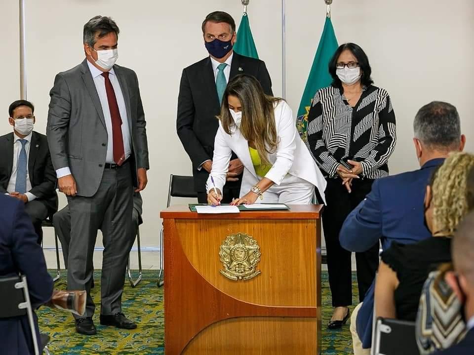 Read more about the article Programa Sinal Vermelho agora é Lei Federal